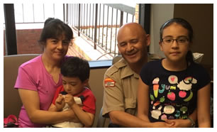 Edgar H. Gonzalez Martinez y familia.